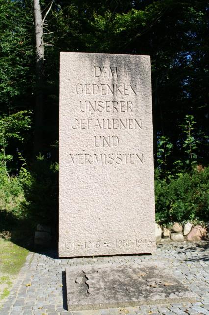 Ehrenhain-4